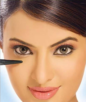 Cómo usar el delineador de ojos según los ojos que tengas